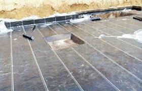 反应粘防水卷材